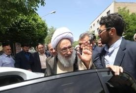 آیتالله مجتهدشبستری چه خودرویی سوار میشود؟  گفته بود: ایران کشوری است که کسی نباید در آن خودروی خارجی سوار شود