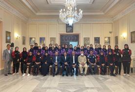 تیم ملی فوتبال زنان میهمان سفیر ایران در ازبکستان
