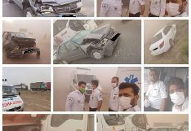 تصادف زنجیرهای ۳۰ خودرو در جاده نیشابور-سبزوار (+عکس)