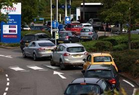 کمبود سوخت در جایگاههای پمپ بنزین بریتانیا؛ 'تعلیق موقت' قانون رقابت
